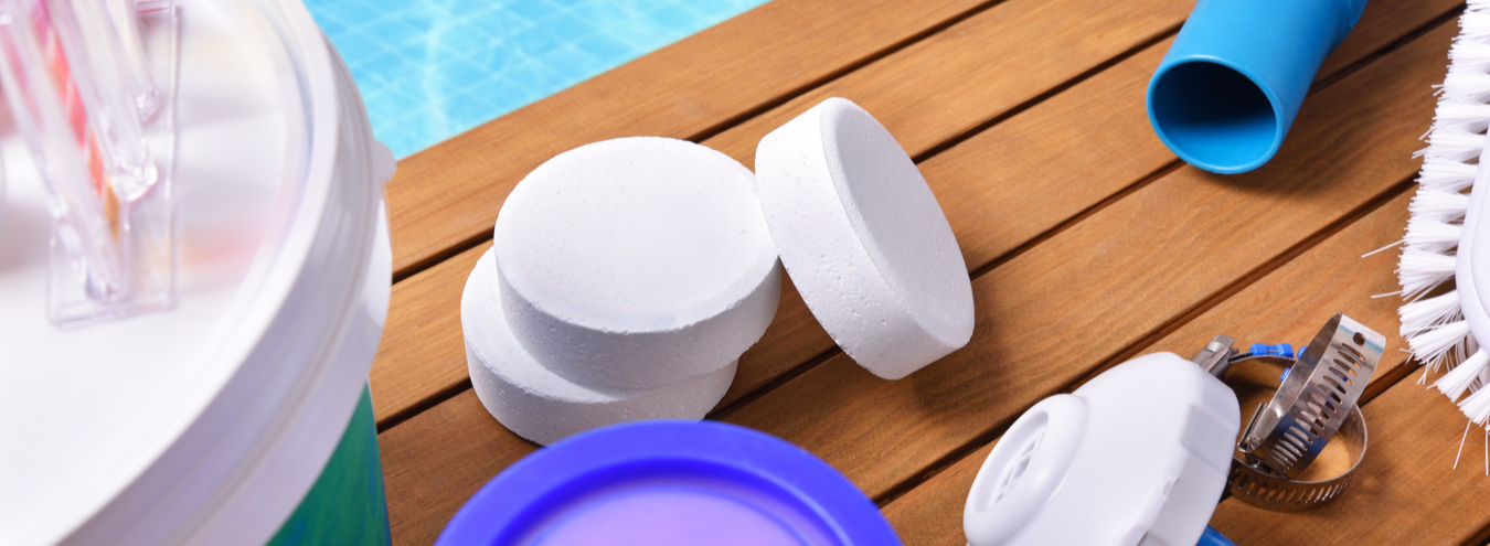chlorine-tablets-swimming-pool-water-treatment